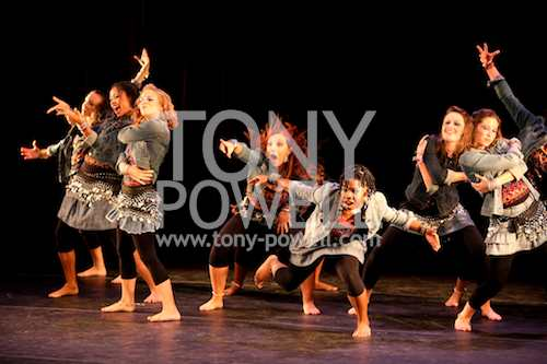 Joy of Motion's Youth Dance Ensemble © Tony Powell